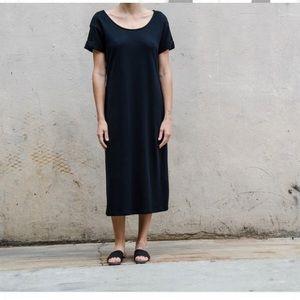 Ali Golden Black midi t shirt dress